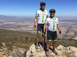 Robert Mace and JP d'Abbadie of Team ITWeb powered by Dimension Data enjoying the breath-taking views along the route.