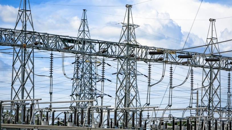 Eskom allegedly pushed through a tender for information technology and maintenance at power stations.