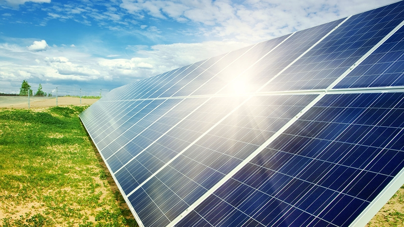 Thermal solar plants use the sun's heat to turn water into steam.